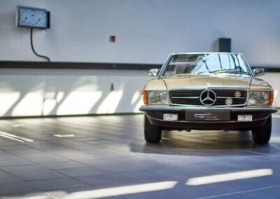 Fahrzeughandel Mercedes 107er SL 280 Verkauf von Sportwagen Luxusautos Oldtimer